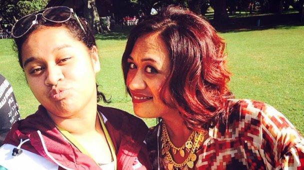"""Selfie: Miss Kihi raua ko """"pukka up"""""""